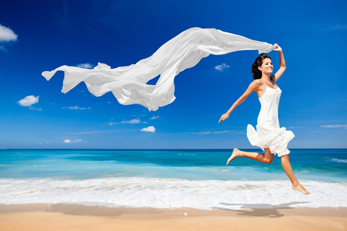 Woman-and-sea-reflexology-kinesiology